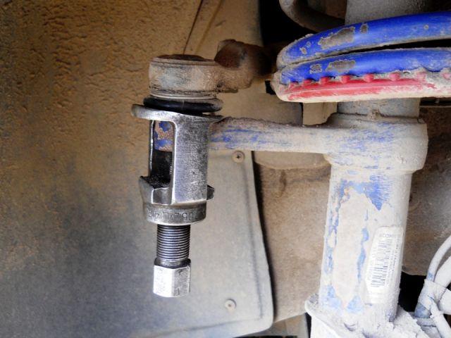 Замена рулевых наконечников своими руками 85